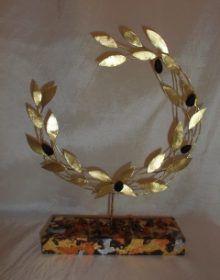 Μπρούτζινο Στεφάνι Ελιάς 28.00€ – 42.00 Olive Wreath, Laurel Leaves, Wood And Metal, Ornament, Charmed, Wreaths, Mirror, School, Flowers