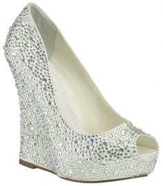 Bellissima Bridal Shoes is a top provider of wedding shoes online. Our selections include a wide selection of heels, flats and sandals from high-end designers. Bridal Wedges, Wedding Wedges, Bling Wedding, Wedding Hair, Wedding Stuff, Dream Wedding, Top Street Style, Street Style Shoes, Shoes Style