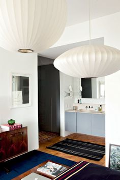 (Foto: Ricardo Labougle) | George Nelson Bubble Lamp Pendants | http://modernica.net/lighting/pendant/