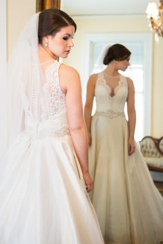 Lace Back Wedding Dr