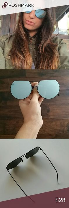 Mirrored Flat Top Sunglasses Trendy mirrored sunnies. Silver Mirrored lense with black frame. New. @alexiscb  Accessories Sunglasses