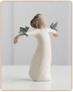 Happiness Willow Tree Figurine by Susan Lordi New Demdaco 26130 Willow Tree Engel, Willow Tree Figuren, Willow Figurines, Wooden Figurines, Filigranes Design, Angel Sculpture, Collectible Figurines, Blue Bird, Sculpting