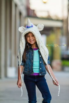 Make a magical unicorn hood with this free crochet pattern by Busting Stitches and Lion Brand yarn!