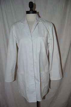 WOMANS CHEROKEE WHITE JACKET SIZE M  #Cherokee #SCRUBJACKET