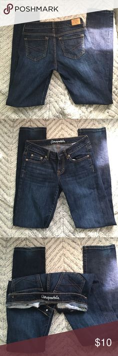 Aeropostale-Bayla skinny. Size 0, short. Good condition. Slight discoloration at bottom of one leg as seen in last photo. Aeropostale Pants Skinny