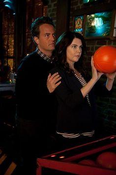 yay,can't wait :) Lorelai meets Chandler :D #MatthewPerry #LaurenGraham #GoOn