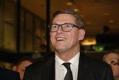 Matti Vanhanen jännitti vaalituloksia, ja sai lopulta 4,1 prosenttia äänistä.