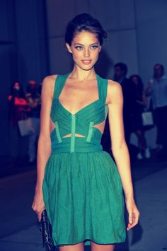 must have this dress. i. need. it.