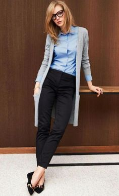 40 Trendy Work Attire & Office Outfits For Business Women Classy Workwear for Pr. - 40 Trendy Work Attire & Office Outfits For Business Women Classy Workwear for Professional Look Business Outfit Frau, Business Outfits, Business Casual Clothes, Casual Work Clothes, Business Casual Sweater, Summer Business Casual Outfits, Basic Clothes, Style Clothes, Blue Shirt Black Pants