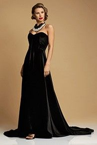 Rochie Lunga cu Trena din Catifea Couture Aw 2017, Evening Dresses, Formal Dresses, Marchesa, Old And New, Dress Making, Corset, Product Description, Couture