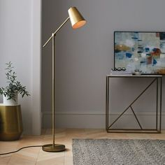 Freischwinger-Stehlampe Messing (nur Lampe) - Project 62 Cantilever floor lamp brass (lamp only) - P Gold Floor Lamp, Modern Floor Lamps, Tall Floor Lamps, Modern Lighting, Free Standing Lamps, Shabby Chic, Brass Lamp, Gold Lamps, Bedroom Lamps