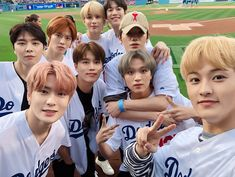 """a thread of NCT 127 being considerate, and great humans. Winwin, J Pop, Jaehyun, Meme Photo, Nct Group, Hip Hop, Images Gif, Wattpad, Mark Nct"