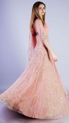 New wedding dresses vintage pink beautiful Ideas Engagement Dresses, New Wedding Dresses, Bridal Dresses, Wedding Attire, Pakistani Dresses, Indian Dresses, Indian Outfits, Churidar, Anarkali