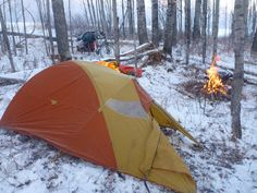 7 Top Camping Safety Tips - family camping site Cold Weather Camping, Winter Camping, Camping And Hiking, Camping Survival, Camping Gear, Camping Hacks, Backpacking, Snow Camping, Survival Stuff