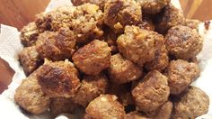 Mom's Meatballs: A delicious meatball recipe. Meatball Recipes, Different Recipes, My Recipes, Dishes, Mom, Ethnic Recipes, Plate, Utensils, Mothers