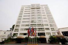 El Suites del Bosque Hotel se encuentra en el distrito de San Isidro, en el hepicentro financiero y una de las zonas más elegantes de todo Lima.
