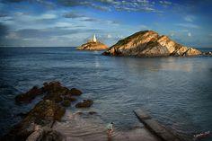 el chico que buscaba conchas y encontró un faro │the guy who was looking shells and found a lighthouse
