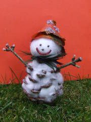 cute pine cone Christmas craft for kids