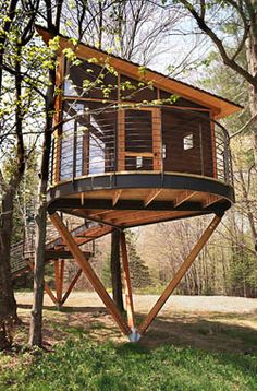 Nice 47 Incredible Crooked Tree House Design Ideas For Childrens Playground. # Nice 47 incredible curved tree house design ideas for the children's playground. Beautiful Tree Houses, Cool Tree Houses, Crooked Tree, Tree House Plans, Tree House Designs, Cottage Design, Play Houses, Home Projects, Furniture Projects