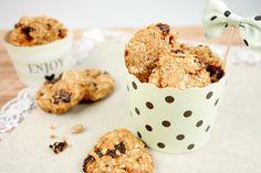 Die gesunden Haferflocken-Kekse, die ganz ohne Eier, Mehl und Zucker auskommen, sind im Nu zubereitet und ein fruchtiger Knabberspaß für zwischendurch.