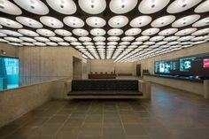 The New York art world let out a collective cry of grief when the Whitney Museum of American Art abandoned Marcel Breuer's iconic 1966 building on. Marcel Breuer, Metropolitan Museum, Brutalist Buildings, New York Museums, Whitney Museum, New York Art, Retro Futurism, Art World, American Art