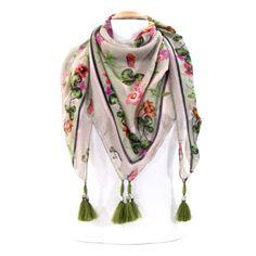 foulard pompons fleurs perles vert Palme  foulard  foulardbijoux  pompons   fleurs http  693092c9367