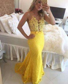 Apaixonada por este vestido amarelo