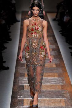 Valentino Fall 2012 Ready-to-Wear Fashion Show - Vanessa Axente (Viva)