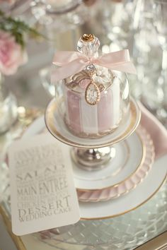 Wedding Inspiration in Pastel and Gold