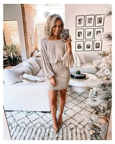Dinner Date Outfits, Winter Date Night Outfits, Date Night Dresses, Holiday Outfits, Champagne Dress, Pregnancy Outfits, Professional Outfits, Cute Casual Outfits, Bar Outfits