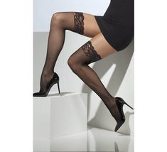 Hold Up Stockings, Lady Stockings, Stockings Heels, Stockings And Suspenders, Fishnet Stockings, Black Stockings Outfit, Dress With Stockings, Black Fishnet Tights, Black Fishnets