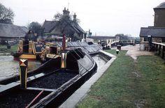 Canal Barge, Canal Boat, River Severn, Rare Images, Narrowboat, Avon, Britain, Boats, World