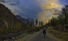 گوپس میں غروبِ آفتاب— فوٹو سید مہدی بخاری