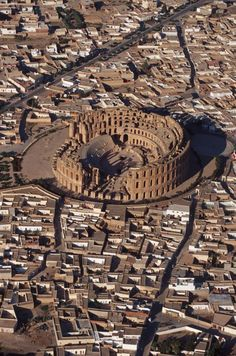 """marhaba-maroc-algerie-tunisie: """" El Djem (Tunisian Arabic: الجمّ) is a town in Mahdia Governorate, Tunisia. It is home to the famous """"Roman amphitheater of Thysdrus"""". East Africa, North Africa, Ancient Rome, Ancient History, Cool Places To Visit, Places To Travel, Illustration Competitions, Fantasy World Map, Mystery Of History"""