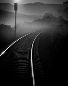 railway track - black and white photography Street Photography, Landscape Photography, Art Photography, Great Photos, Cool Pictures, Trains, Photo D Art, Train Tracks, Black And White Pictures