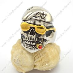 Smooking Skull wearing Instyle Golded Glasses Ring r002775  Item No. : r002775 Market Price : US$ 37.70 Sales Price(Our) : US$ 3.77 Category : Skull Rings