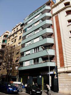 #Rehabilitación de una #fachada en el Carrer Viladomat de #Barcelona