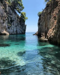 Oh The Places You'll Go, Places To Travel, Places To Visit, Greece Photography, Travel Photography, Skopelos Greece, Greece Travel, Greek Islands, Beach Trip