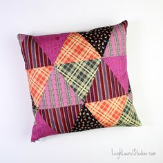 Patchwork triangle pillow pattern and tutorial, with hidden zipper - by Karin Jordan, Leigh Laurel Studios