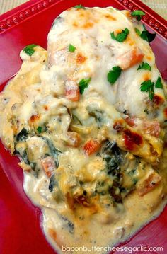 Bacon Butter Cheese & Garlic: Baked Italian Chicken with artichoke hearts mushrooms tomatoes spinach and cream and mozzarella cheeses Italian Recipes, Great Recipes, Dinner Recipes, Favorite Recipes, Italian Foods, Italian Dishes, Easy Recipes, Good Food, Yummy Food
