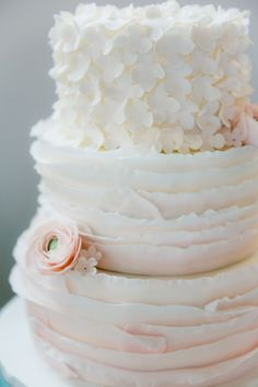#bruidstaart #taart #trouwtaart #inspiratie #bruiloft #trouwen #huwelijk #trouwdag #wedding #cake #inspiration #idea   Photography: Anouschka Rokebrand Photography   Cake: Sugarlips Cakes   ThePerfectWedding.nl