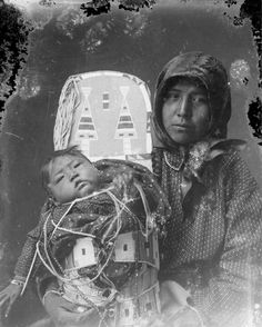 Мать и дочь. Коллекция Richard Throssel. Дата: 1902-1933. Университет Вайоминга. American Heritage Center.