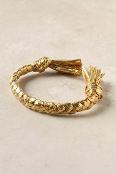 Golden Tassel Bracelet: Raffia or fiber + fabric stiffener + paint or leaf
