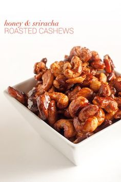 Time for a tasty party treat or afternoon snack! Add more or less sriracha to these Honey & Sriracha Roasted Cashews, depending on your tolerance for heat. Roasted Cashews, Roasted Nuts, Appetizer Recipes, Snack Recipes, Cooking Recipes, Appetizers, Healthy Snacks, Healthy Eating, Healthy Recipes