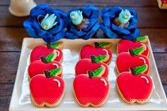 Festa_Branca_de_Neve_decor_mesa_bolo_cookies
