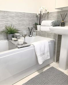 Hampton and Astley Egyptian Cotton 7 Piece Luxury Bath Towel Set, Pure White Bathroom Design Small, Simple Bathroom, Bathroom Interior Design, Dream Bathrooms, Beautiful Bathrooms, Bathroom Renos, Bathroom Ideas, Family Bathroom, Bathroom Inspiration