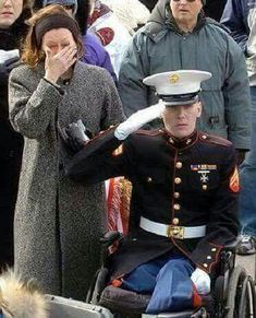 Facebook informed this family that this photo is offensive, could my friends on here please HELP HONOR THIS VET PAYING HIS RESPECTS TO HIS FRIEND WE CAN DO OUR PART BY SHARING IT ........ Thank you ~ Shared from Michael Westerfield's Facebook page