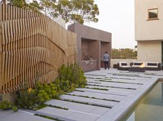 Plant strips, paving, planter, fence -- SURFACEDESIGN, INC. » HOLLYWOOD HILLS RESIDENCE