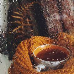 autumn, rain, and tea image Autumn Tea, Autumn Rain, Autumn Cozy, Autumn Leaves, Autumn Diys, Autumn Walks, Hello Autumn, Cozy Aesthetic, Autumn Aesthetic
