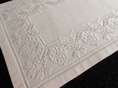 Hardanger Embroidery, Bargello, Rococo, Diy And Crafts, Macrame Owl, Farmhouse Rugs, Craft, Ideas, Tutorials